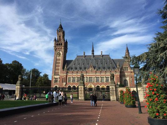 Den Haag Königspalast und Stadtrundfahrt, am dritten Tag