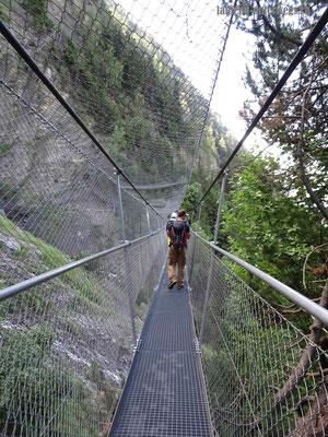 Torrent Neuf - Erste Hängebrücke