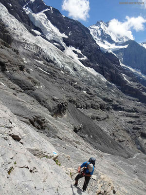 Abstieg von Rotstock zur Alp Eigergletscher mittels Seilen