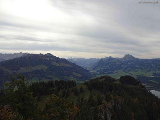 Sicht bis in die schneebedeckten Alpen