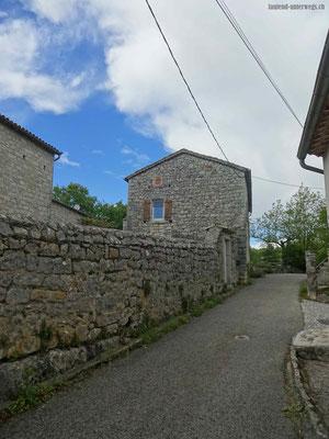 Steinhäuser in Maz zu Grazel