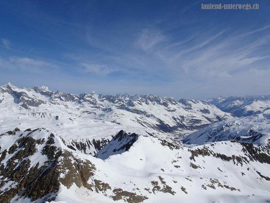 Blick auf das Stellibodenhorn, das Rottällihorn und den Rottälligrat
