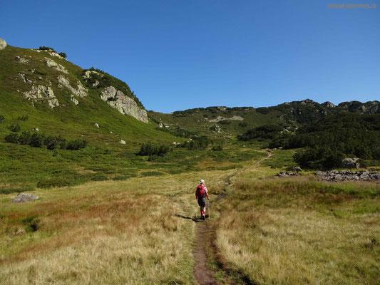 Aufstieg von Arnisee in Richtung Sunnigrathütte