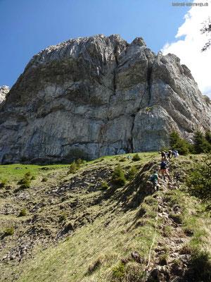 Kurze Kletterein, im Hintergrund die Blaue Tosse