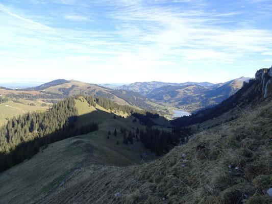 Sicht von la Chaux auf den Schwarzsee