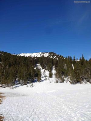 Start mit den Schneeschuhen vom Glaubenbergpass