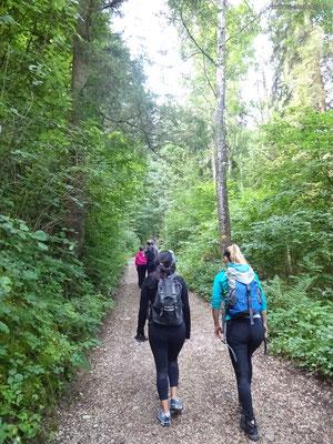 Start des Aufstieges noch mit etlichen Wanderern