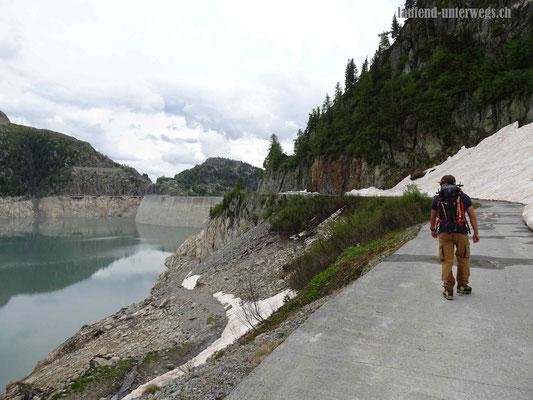 Strasse zur Staumauer Lac d'Emosson