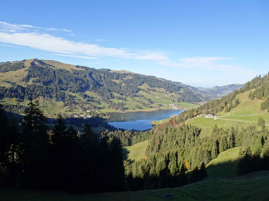 Blick nach Stierenberg auf den Schwarzsee