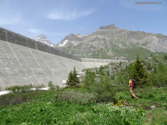 Wanderung von Lac de Salanfe nach Van d'en Haut
