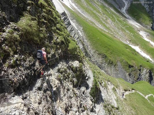 Steiler Abstieg von Martinsmadhütte