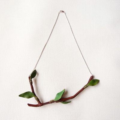 木の枝ネックレス