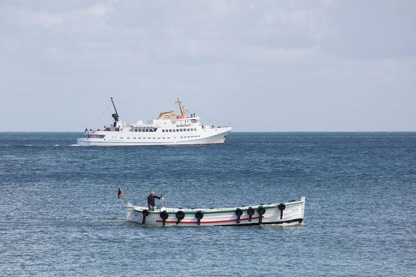 Ein Bäderschiff mit Börteboot