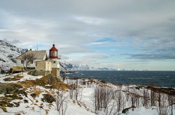 Am Leuchtturm von Sørvagen