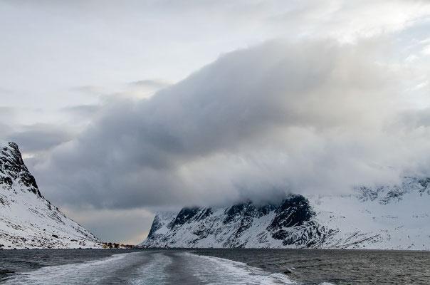 Mit dem Postboot durch den Reine-Fjord