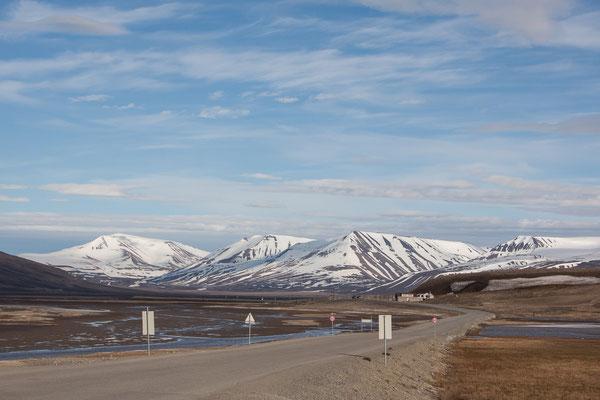 Am Ortsausgang von Longyearbyen