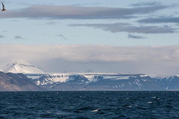 Blick über den Ijsfjord nach Longyearbyen