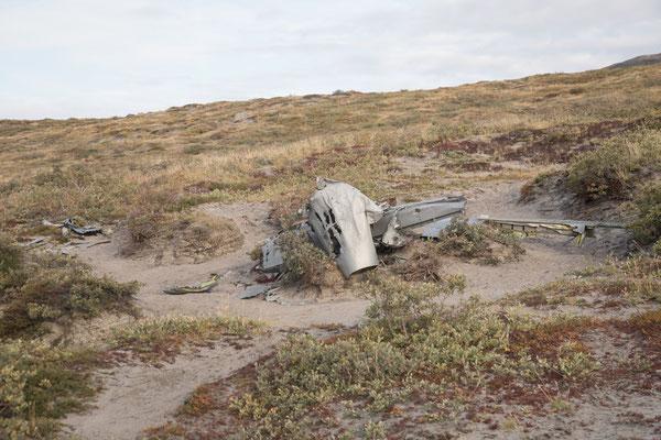 Das Wrack eines amerikanischen Jagdflugzeugs, liegt hier seit 1968