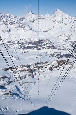 Mit der Seilbahn auf das Matterhorn Glacier Paradise