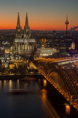 Der Kölner Dom vom LVR-Turm fotografiert