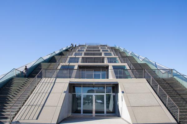 Dockland - 2  Die Treppen zur Besucherplattform