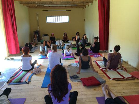 Stage Yoga con Laura Dajelli