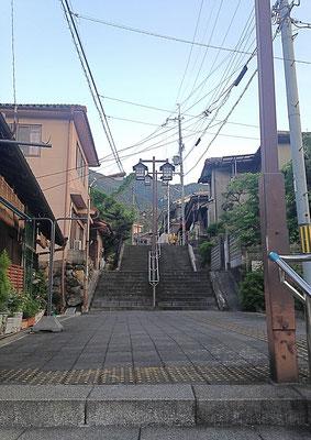 長谷寺駅へ通じる 大階段💦
