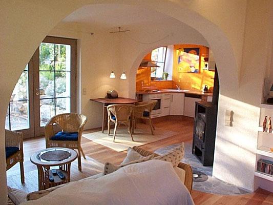 Ein geschmackvolles Apartment inmitten eines großen Gartens mit Blick in die unverbaute mainfränkische Kulturlandschaft.
