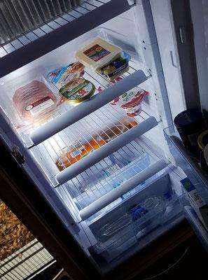 ... dann Kühlschrank im Mobil bestücken