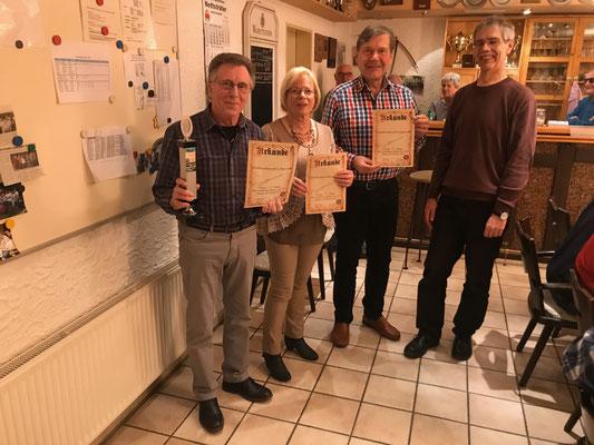 Franz-Josef Monhoff wiedermal Schützenkönig. Wolfgang Kasten Zweiter und Monika Monhoff Dritte.