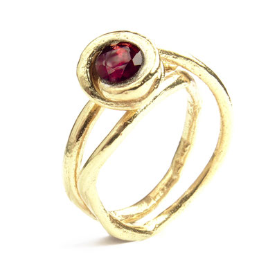 Grapevine ring Granate