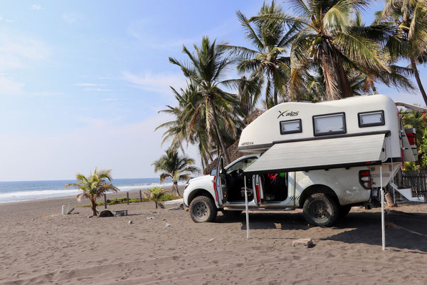 Drove onto the beach in Cuyutlan, it's just so much fun to have a 4x4!!
