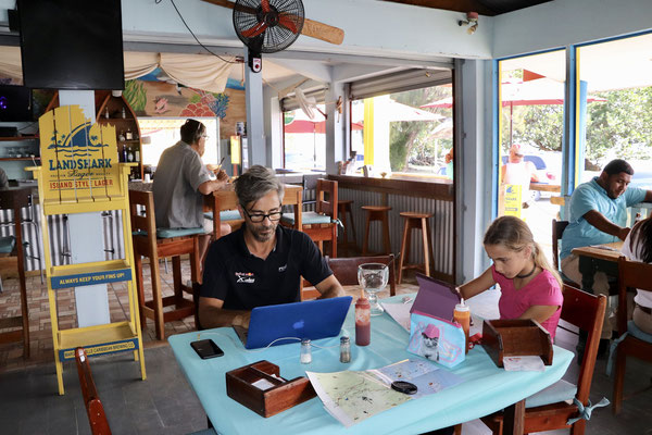 Here we're over the boarder in Belize having lunch, doing home work and updating our blog..
