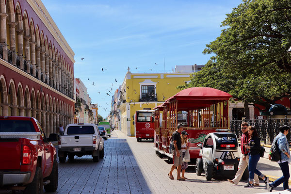 We walked past the police station in Campeche and onto the square. The police were patrolling in small one man E-Cars...strange sight