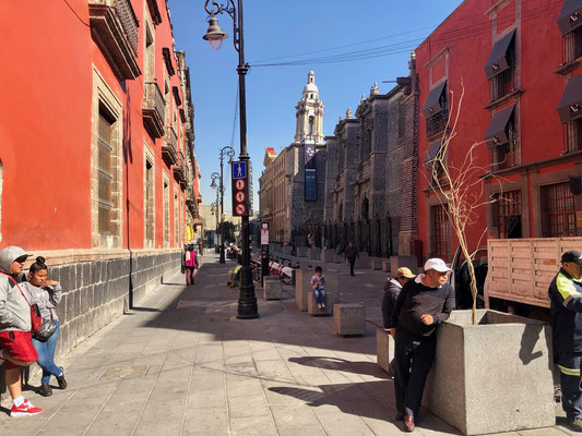 """Down this alley was the famous """"Ex Teresa Arte Actual"""" which was in construction because the building was sinking - did you know that Mexico City was built in a swamp?"""