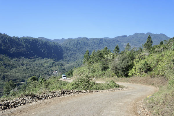 The trip was only 75km but it got so rough towards the end it almost took us 3 hours to get there - this is just the start of the gravel road heading to Lanquin and then to Semuc Champey