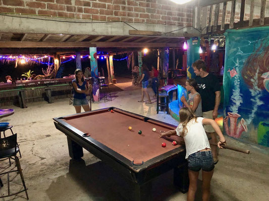 After dinner Lynn & Stefanie challenged a young girl & her father with a game of billiard