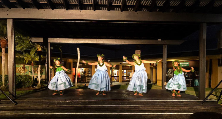 Hula Dance in Kona