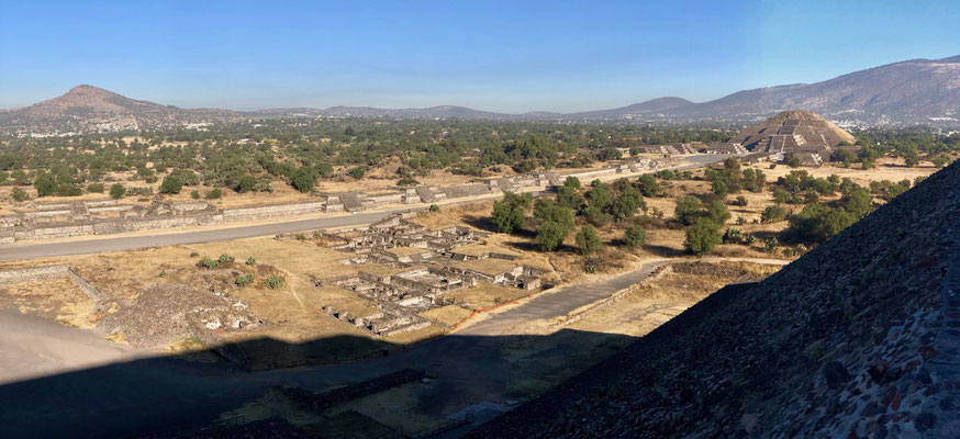 View off the top of the Pyramid of the sun