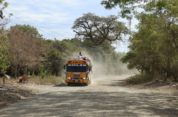 the old US School Bus on the road to Popoyo