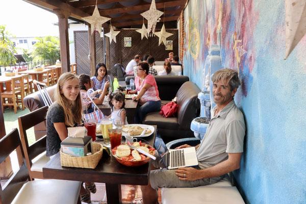 We went for brunch at this lovely café..