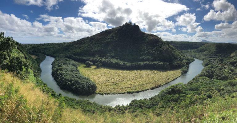 Kamokila Hawaiian Village at the foot of Waimea River