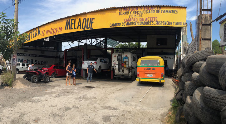 We stayed in Tenacatita for one night and went to Melaque to get an oil change and the tyres checked..