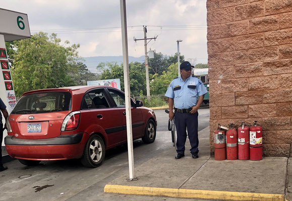 On the way to La Libertad we went for diesel and was lucky to find ULSD Diesel, which was definitely relieving for our truck engine - as in most petrol stations and shops in El Salvador you will find an Armed Guard holding a Pump-Gun