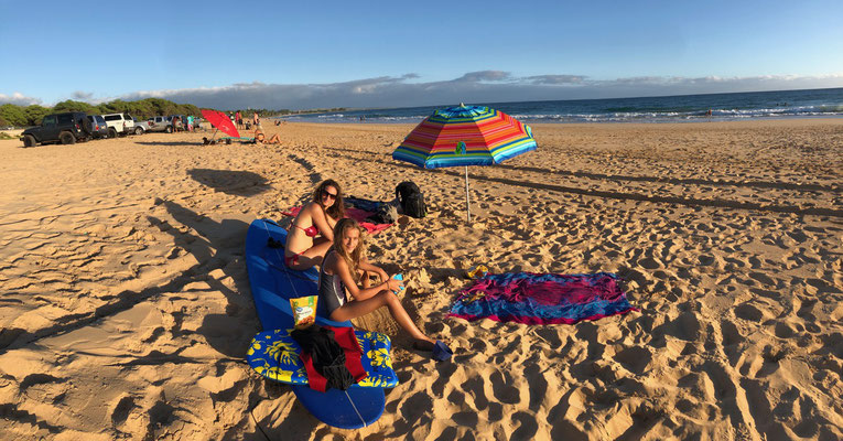 We spent the late afternoon till sunset at Kekaha Beach in the south of Kauai