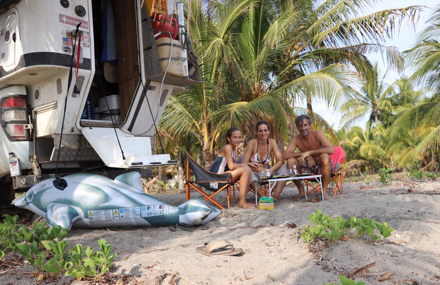 Lunch time on Playa Coyote