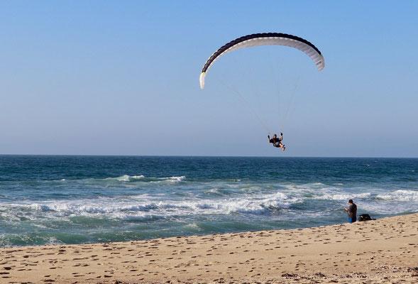 mein Vater am Gleitschirm fliegen mit wunderschöner Aussicht