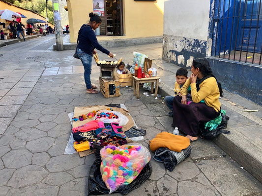 ..Indio Family in the streets of San Cristobal