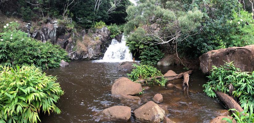 First drop of Waipo'o Falls