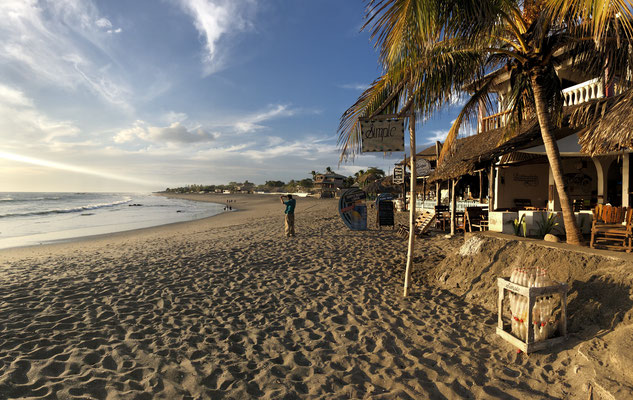 Las Penitas has a beautiful beach front with a lot of small restaurants and cafe's